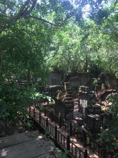 ベンメリア遺跡とコーケー遺跡のピラミッド型寺院チャーターツアー