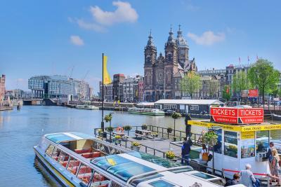 水辺の美しい景色を求めてオランダ&ベルギーへ <1> アムステルダムの街歩き(前編)♪