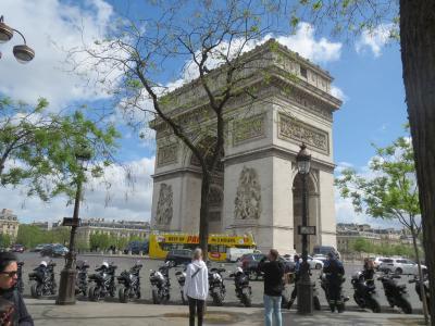 台北経由でいくパリ4泊7日一人旅 パリ1日目のメインはフォンダシオンルイヴィトン