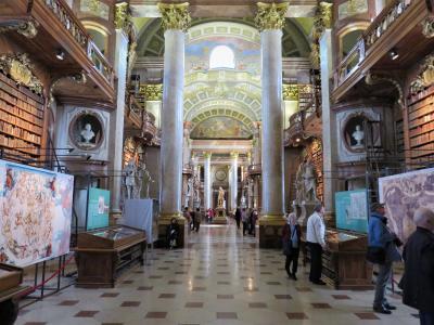 ウィーン滞在9回目(10.国立図書館Prunksaalは本を読むところではなく見るところ。)