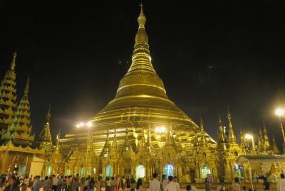 2019春、ミャンマー旅行記(3/25):5月24日(3):ヤンゴン(2):シュエダゴン・パゴダの夜景、黄金の国