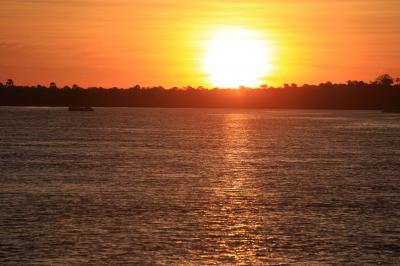 南部アフリカ紀行2日目、ザンベジ川サンセットクルーズ