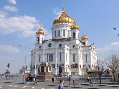 モスクワで4泊(4): 赤の広場北側やアルバート通りの散策,救世主キリスト聖堂へ行き,そして帰国へ