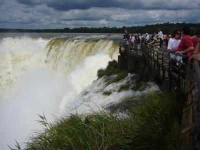 ブラジル・アルゼンチン・ペルー13日間の旅(3) イグアスの滝(アルゼンチン側)