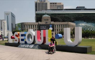 車椅子の母を連れ、ソウル2泊3日の旅