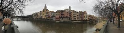 スペイン語学習仲間とバルセロナ自由旅行 6-1 現地旅行社のミニバンによる「ジローナとコスタブラバを巡る」一日ツアー ジローナ編
