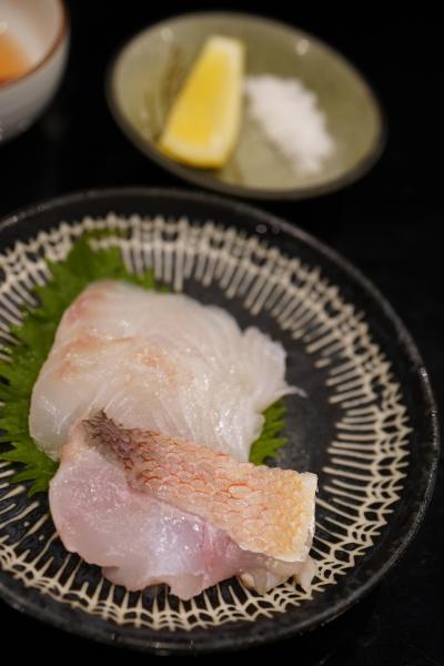 20190608-2 豊洲 高はしさん、生しらす、海老芋、まことぐじの昆布締め食べ比べ、たい焼き…