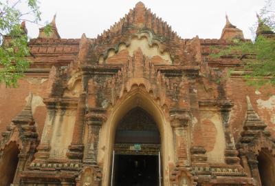 2019春、ミャンマー旅行記(8/25):5月25日(4):バガン(2):シュエズィーゴン・パゴダ、アーナンダー寺院