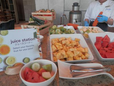 bkk8回18土曜1朝ホテルニッコウバンコク 朝食はグリンカレーレッドカレーなど様々