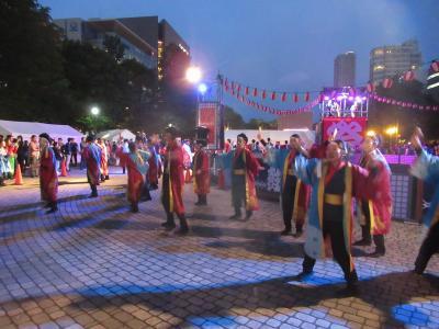 新緑の北海道(14)【札幌】YOSAKOIソーラン祭り~笑顔の踊り子たちを間近で見る感動!