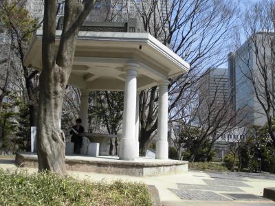新宿中央公園と熊野神社