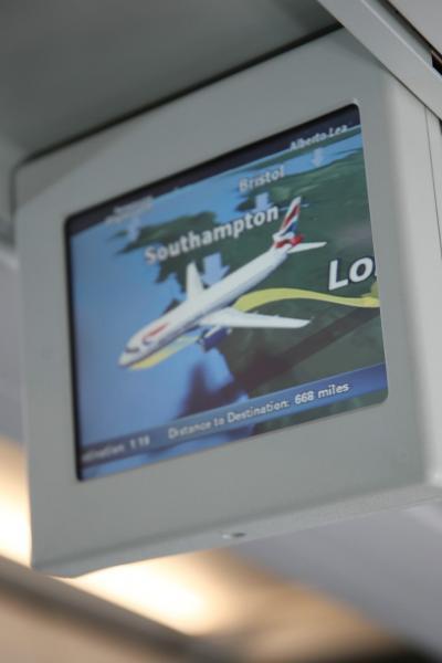 ロンドン発午後2時30分バルセロナ行きBA480便の離陸から水平飛行まで