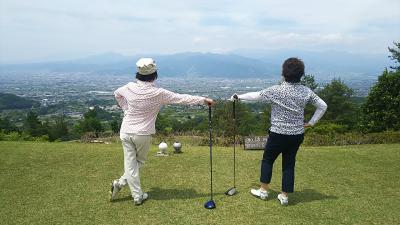 え?ゴルフ?何のポーズ?なにこれ珍百景?まぁいろいろですがーゴルフの新規則も紹介しますよ(*´-`)