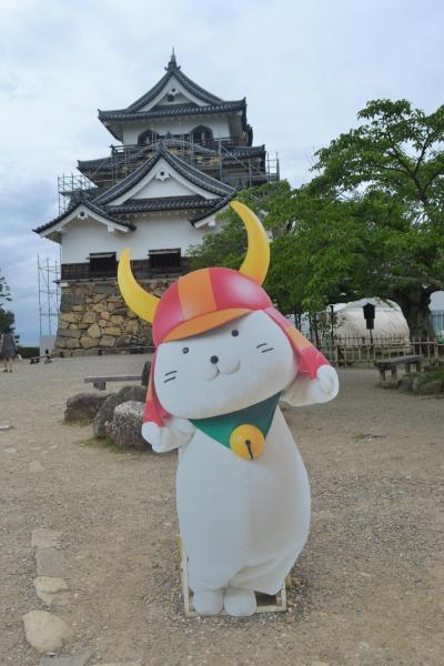 途中下車して彦根城を訪ねる