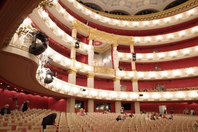 2019年ミュンヘン→ウィーンドライブ旅行記②ミュンヘンレンタカー借り出し バイエルン国立歌劇場