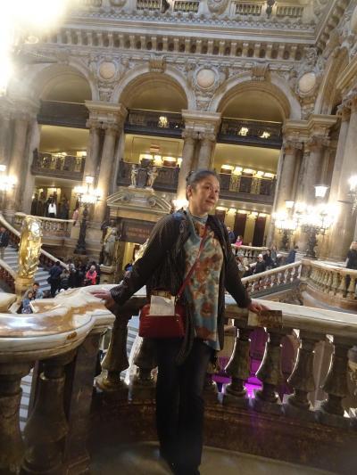Paris dans la journee 真昼のパリ 自由平等友愛 ハニーの付いて行くだけのお気軽パリ町歩き ってついても来れんのかいっ