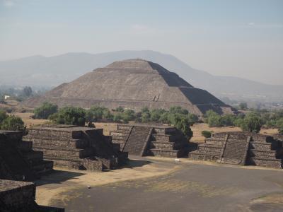 アメリカ大陸最大の遺跡であるテオティワカン