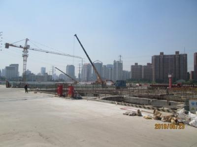 上海の真如水産市場跡・「中海 臻如府」高層住宅群・再開発工事中