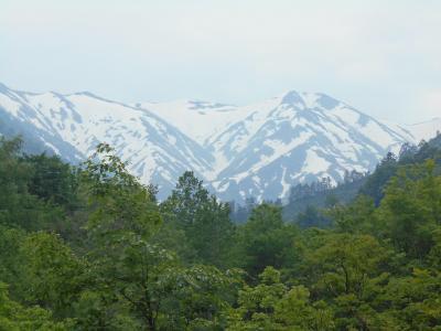 飯豊連峰縦走50周年記念の旅 その2 温身平まで半日ハイキング