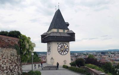 グラーツ歴史地区とエッゲンスベルグ城の絵画を見る