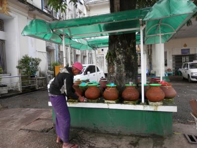 ヤンゴン、行きと帰りで1泊ずつ