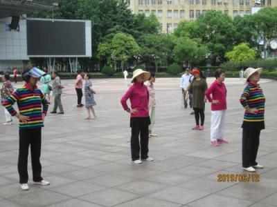 上海の南京東路・早朝・2019年6月