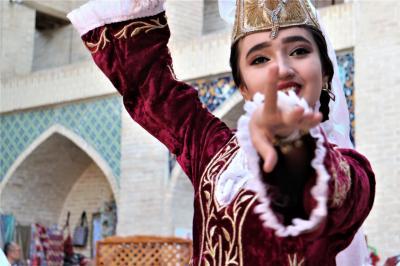 シニアのふれあい旅 IN ウズベキスタン2  ブハラ&シャフリサーブス編