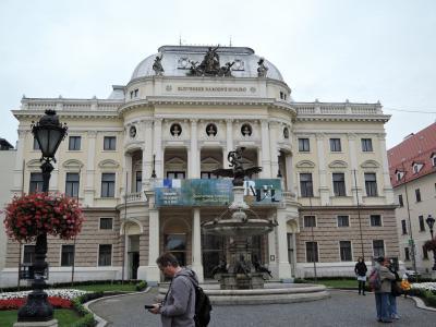 2017年9月スロバキア・チェコ観光1 ブラチスラバ(スロバキア)観光1旧市街、フラヴネ―広場、スロバキア国立劇場、フヴイエズドスラボボ広場