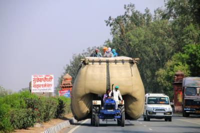 暑い熱い!! 南アジアで三角旅行