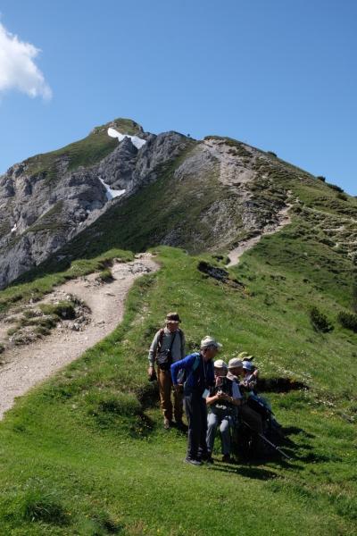 2,000mの快適な稜線ハイキング ゼーフェルダー・シュピッツェへ