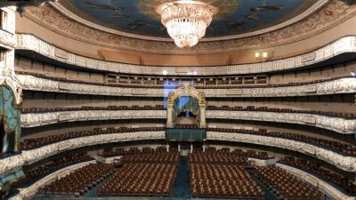2019年5月 還暦夫婦ロシアへ行く 5日め イサーク教会に登る 夜はマリインスキー劇場