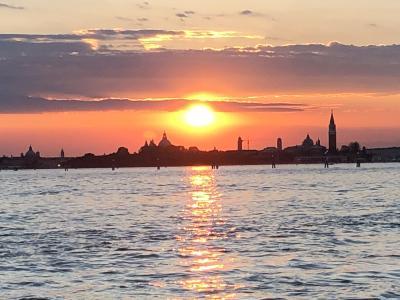 私のベネチア物語1(コルテバロッジスイーツ、VINOVINO,夜のサンマルコ広場)