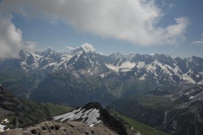 スイス花とハイキングの旅シルトホルン