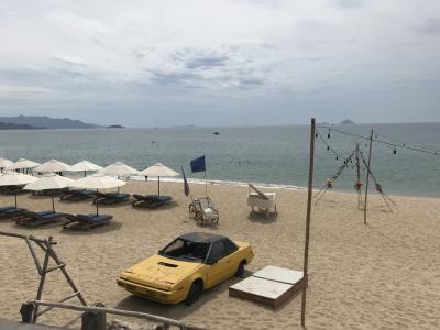 初めてのニャチャン旅行(2日目)ビーチ、マッサージ、海鮮、プール。満喫した一日でした。