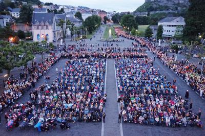 列車とバスで巡る南西フランス(1)。。。ルルド(聖域地区)