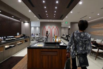 46.長男と行くハワイ3泊 ダニエル・K・イノウエ国際空港  JALサクララウンジの昼食