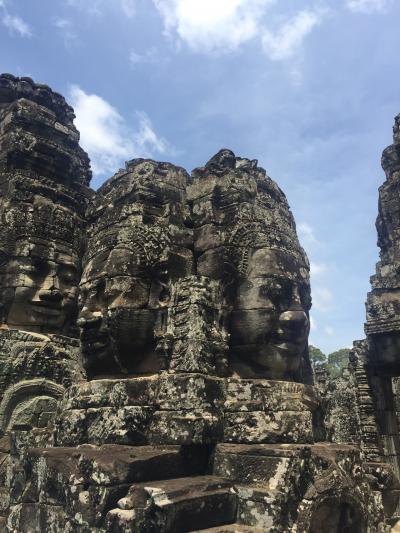アンコールトムのバイヨン寺院と南大門のおすすめ観光ツアー