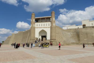 2019春、ウズベキスタン等の旅(30/52):4月26日(2):ブハラ(1):ボロハウズ・モスク、アルク城(1)