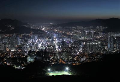 2019年7月 エアプサンで行く韓国・釜山の夜景と釜山競馬場(1)荒嶺山夜景編