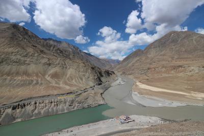 チベット民族の人達に会いたいー!そこはヒマラヤの厳しい大自然に抱かれた「ラダック」②下ラダックの村を歩いてみよ~