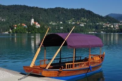 クロアチア周辺10日間の旅(4日目ブレッド湖~ポストイナ鍾乳洞)