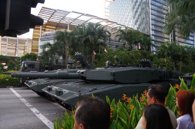 ナショナルデーのリハーサルを楽しむシンガポール