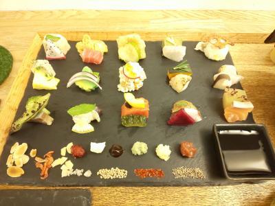 色とりどりの手織り寿司