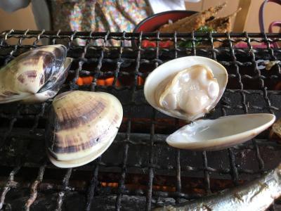今日は海の日だから/九十九里浜の不動堂海水浴場の浜茶屋「向島」で本はまぐりの浜焼き
