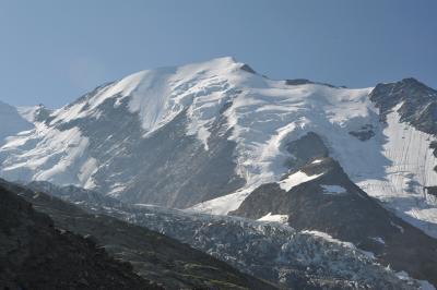 スイス花とハイキングの旅モンブラン・トラム・ウェィハイキング