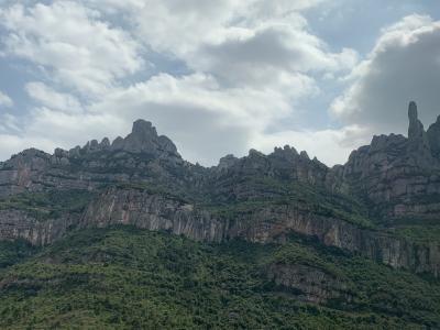 ノコギリ山のモンセラートへバルセロナからデイトリップ