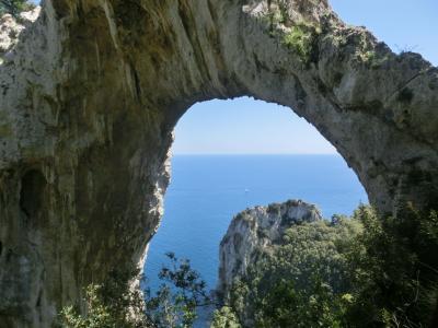 2019GW イタリア22:カプリ島 天然のアーチ、島南東部を巡るトレッキングコース
