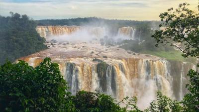 6月のイグアスの滝、水しぶきと言い、気温と言いちょうど良い感じ