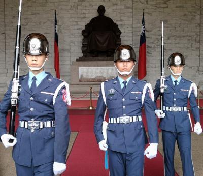台北5days3日目 運動して中正記念堂より象山から士林夜市からの寧夏夜市へ