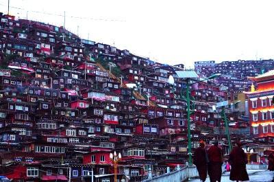 東チベットの旅2 2019年 幻のラルンガルゴンパの現状 (2019 The road to Larung Gar )